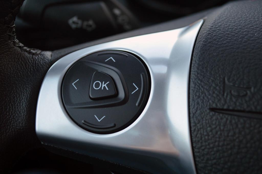 Left dashboard screen controller (original image: autoblog.com)