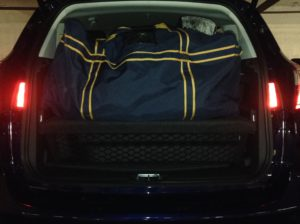 2016_Ford_C-MAX_Energi_hockey_bag