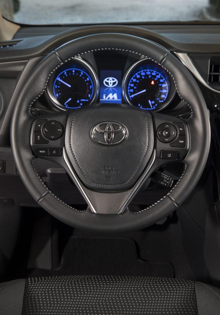 2017 toyota corolla im steering wheel luigi benetton. Black Bedroom Furniture Sets. Home Design Ideas